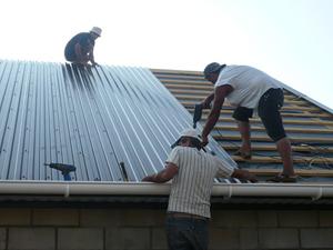 Отлив с крыши своими руками