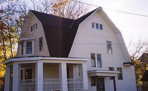 крыша с несколькими изгибами