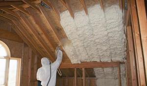 как правильно утеплить ломаную крышу