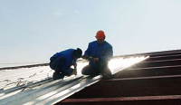 монтаж металлопрофиля на крышу