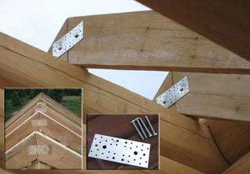 деревянные стропила с металлическими деталями