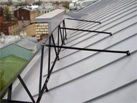 как установить ограждение на крышу