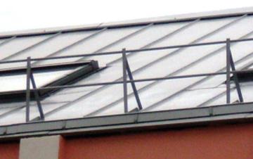 разные типы ограждений скатной крыши